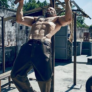 Week 1 Challenge: Who is my fitspiration? Besides everyone that follows me and is in the challenge. I would have say Jason Statham, that is the look I am going for.  #250kchallenge @bodybuildingcom @dymatize.